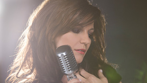 Martina McBride photo by Glynis Carpenter